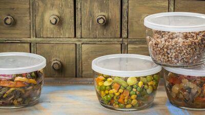 Kādos materiālos visdrošāk gatavot un uzglabāt pārtiku?
