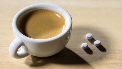 Profesors skaidro - kafijas un medikamentu mijiedarbība!