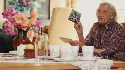 Simtgadniece Dzidra Kalniņa Latvijas simtgadei