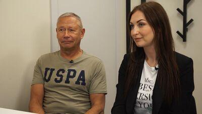 Māris Rēvalds ar meitu Zani izmēģina procedūras pigmentācijas mazināšanai