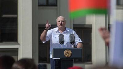 Kādos apstākļos būtu iespējams gāzt Lukašenko no prezidenta krēsla?