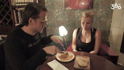 KURIOZI! Rešetins nezinot apēd teļa smadzenes!
