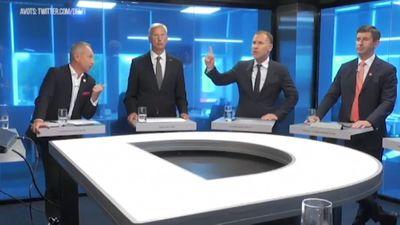 """""""Kā vistu kūtī"""" - premjera amata kandidātu debates pie Dombura"""