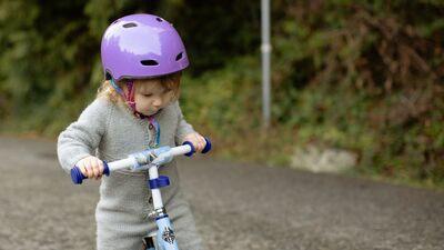 Kjaspere: Par situāciju uz ceļa bērnam jāskaidro viņa acu līmenī