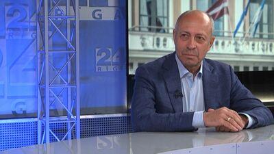 Burovs: Politķi bieži vien kavē saimniecisku lēmumu pieņemšanu