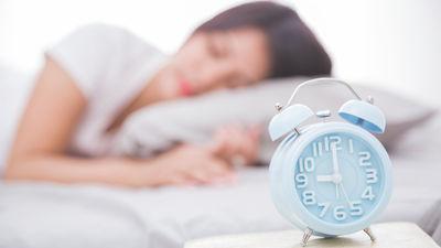 Cik stundas kvalitatīva miega cilvēkam nepieciešamas?