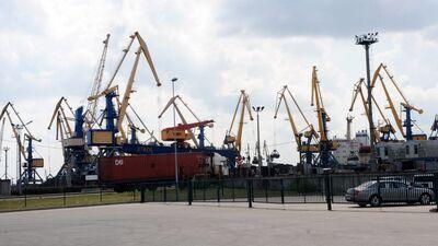 Zeps: Rīgas brīvostā kravu apjoms samazinājies par 25%
