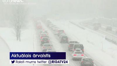 Alpos gaidāma bīstami spēcīga snigšana