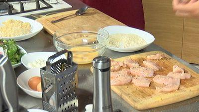 Ainārs Bumbieris atklāj, kā pagatavot visgardākos vistas nagetus