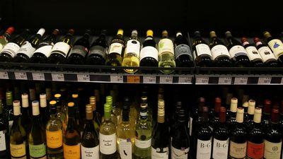 Vai alkoholu jāļauj tirgot arī internetā?