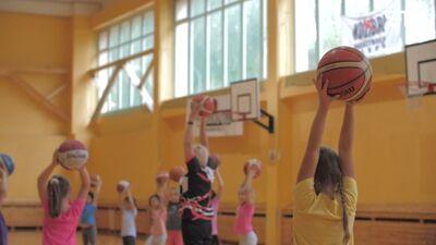 Kā palīdzēt bērnam izvēlēties viņa iecienītako sporta veidu?