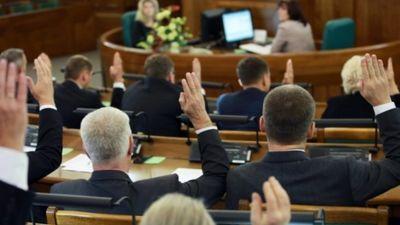 Politoloģe: Saeimas prezidija apkalpojošais personāls pieaudzis 5 reizes