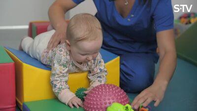 Ka fizioterapeits var palīdzēt bērna attīstībai pirmajos mēnešos?
