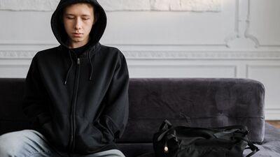 Kā ģimenē identificēt, ka bērnam vai jaunietim radušās mentālās veselības problēmas?