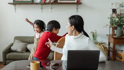 Ar kādām grūtībām Covid-19 krīzes laikā saskaras ģimenes? Kā tās pārvarēt?