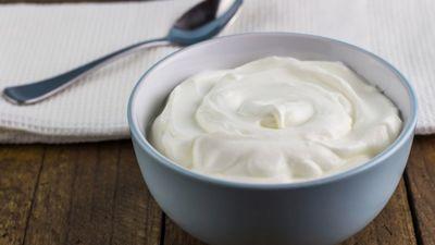 Kādus jogurtus ir vērtīgi iekļaut savā ēdienkartē?