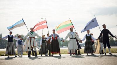 """Staķis: Katrai nācijai nepieciešams veiksmes stāsts - """"Baltijas ceļš"""" ir mūsējais"""