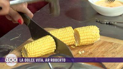 Līga Robežniece māca Roberto gatavot kukurūzu