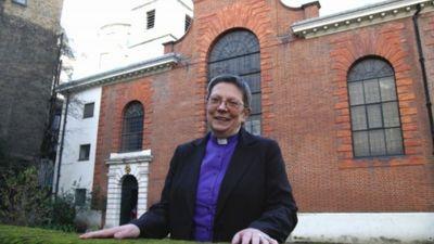 Vai mūsdienās sieviete var ieņemt amatus baznīcā?