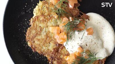 Vienkārša recepte kartupeļu pankūkām ar lasi