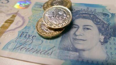 """Birkavs: Britiem ir stipra ekonomika, viņi var atļauties """"kaisīt naudu"""""""