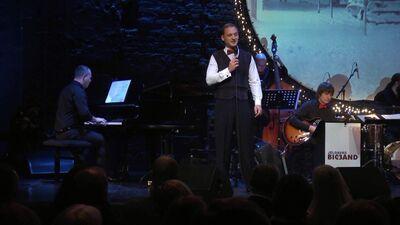"""Koncerts """"Sinatra Ziemassvētkos""""  1. daļa"""