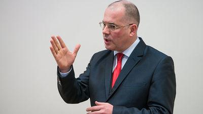 Vai Andrejs Mamikins aiziet no politikas?