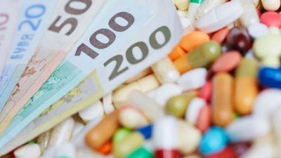 Lipmans skaidro, kas jādara, lai samazinātos zāļu cenas