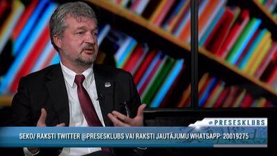 """""""Tas ir sabiedrības, nevis politiķu jautājums,"""" Zakatistovs par viendzimuma attiecību reģistrēšsanu"""