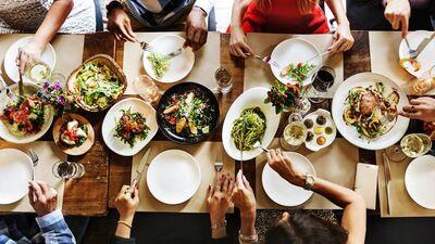 Kā izvēlēties ēdienu ārpus mājas?