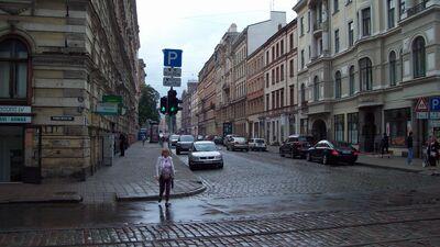 Nedēļas nogalē Blaumaņa iela būs atvēlēta tikai gājējiem