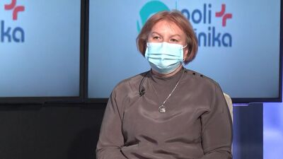 Jeļena Storoženko stāsta par ātro antigēnu testu veikšanu