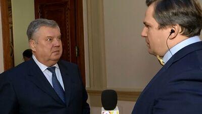 Burovs ir ticies un nopietni apspriedies ar Lembergu, apgalvo Urbanovičs