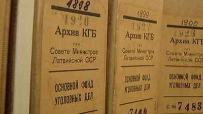 Komunisti čekas maisos nav, norāda Zatlers