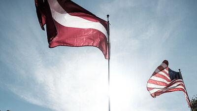 Viedokļi: Vai Latvijai jāatbalsta ASV darbības Irākā?