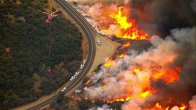 Traģiski: Postošajā ugunsgrēkā Kalifornijā jau 42 bojāgājušie
