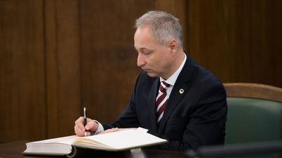 Tērauda par tieslietu ministra izsūtītajām vēstulēm vēstniecībām