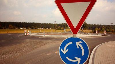 Eiropas valstu ceļu infrastruktūrā notiek pāreja uz apļveida krustojumiem