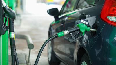 Viedoklis: Vai degvielas akcīzes palielinājums atrisinās ceļu stāvokli?
