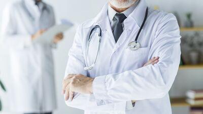 Šics: Dakteri, kuri noticēja valdībai, atkal ir uzmesti